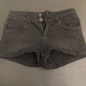 Cotton On Shorts - High -Rise black denim short